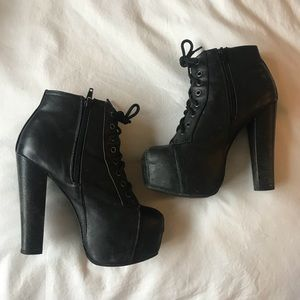 🖤 Nasty Gal Lace Up Booties
